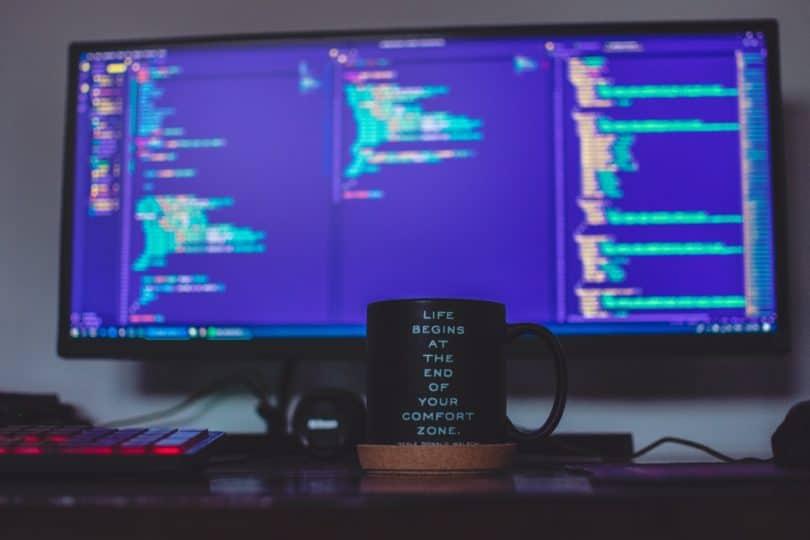 8 Tips to Build an Outstanding Web Developer Portfolio
